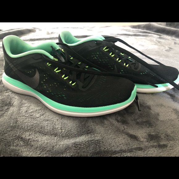 Nike Shoes | Flex 2016 Run With Fitsole